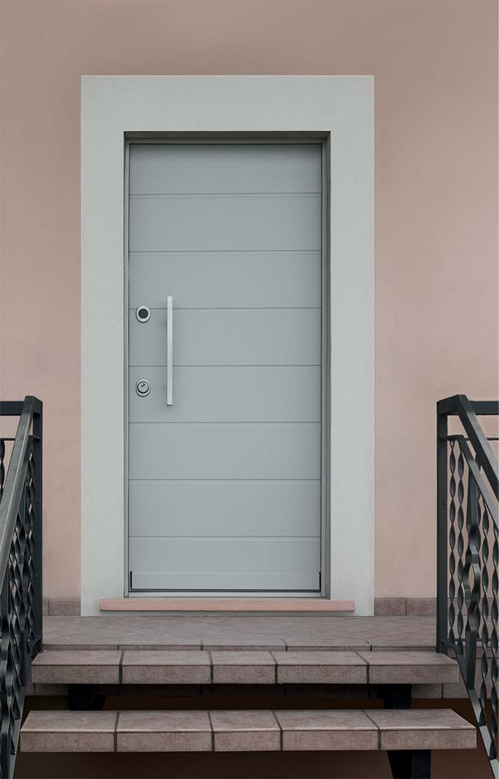 vighi porte blindate milano Porte blindate 24 - il modello milano è dotato di pannello esterno massellato da 14mm a partire da 540 € ideale per interni.